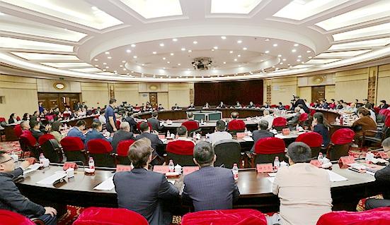 陆昊与出席第五届绿博会的企业家代表座谈