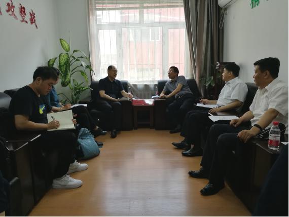 中国贸促会副会长卢鹏起到黑龙江省开展扶贫调研